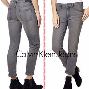 NWT Calvin Klein Womens Boyfriend Jeans Grey